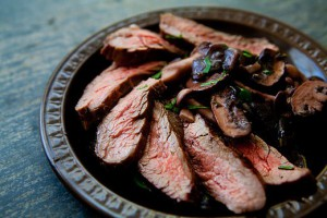 grilled-flank-steak-mushrooms-a